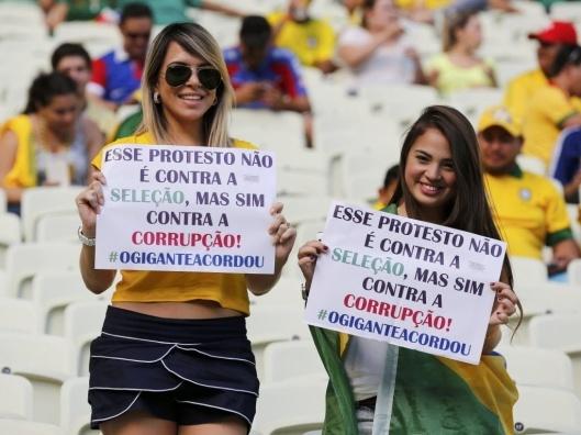 """""""Questa protesta non è contro la nazionale di calcio, ma contro la corruzione"""" #ilgigantesièsvegliato"""